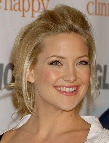 Sevimli aktrist Kate Hudson da Nicole Kidman ve Dita Von Teese gibi porselen bir cildin daha sağlıklı olduğunu düşünüyor.